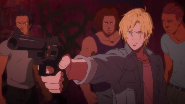 Ash apontando uma arma