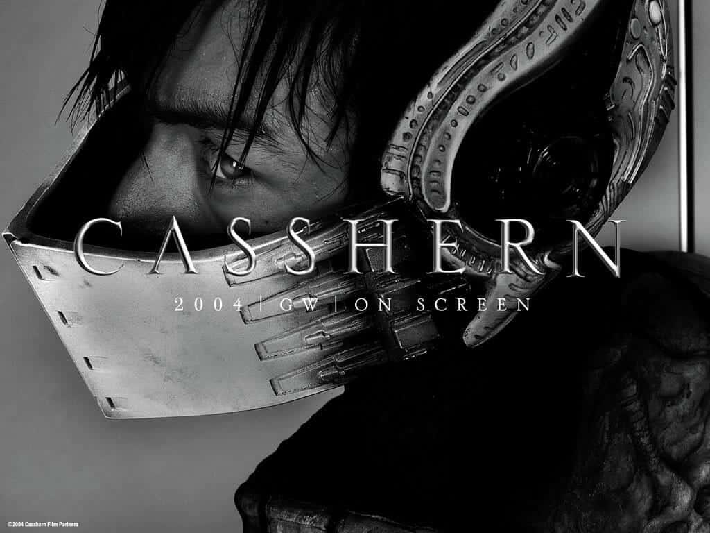 Capa live-action Casshern, homem de perfil usando uma mascara ninja