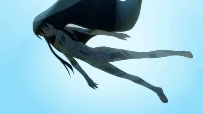 Kaeru-Chan usando uma roupa tecnologica e flutuando em um líquido