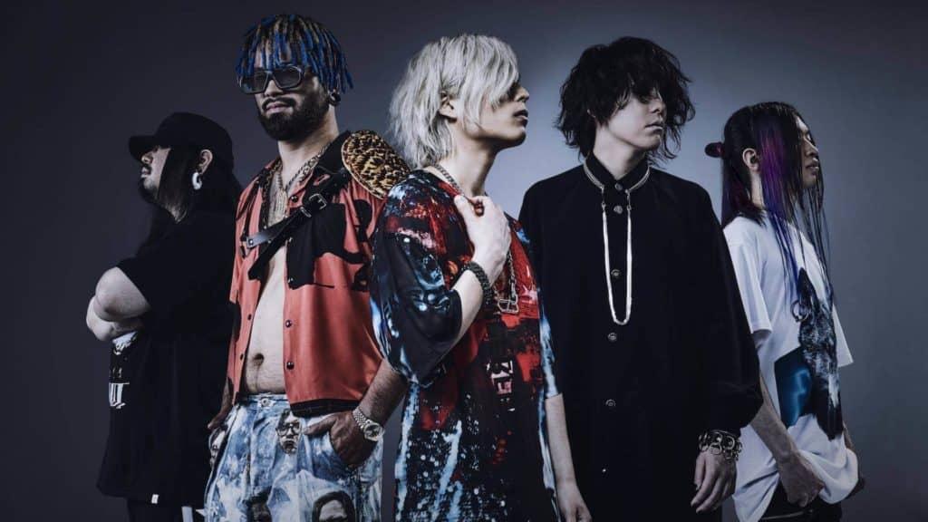 Os cinco integrantes da banda Fear and Loathing in Lasvegas