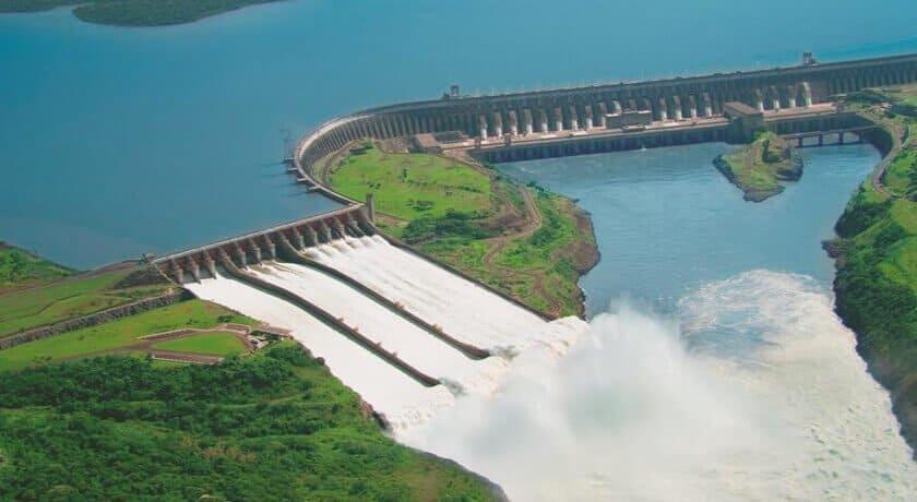 Itaipu hidrelétrica do brasil foto de cima