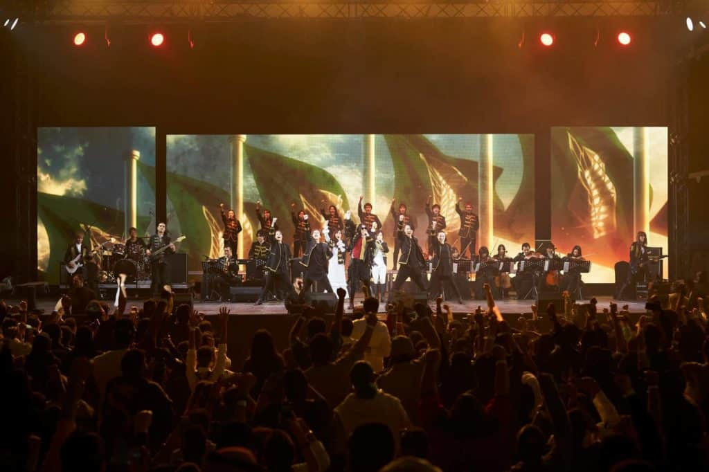 Apresentação da orquestra Linked Horizon em 2019