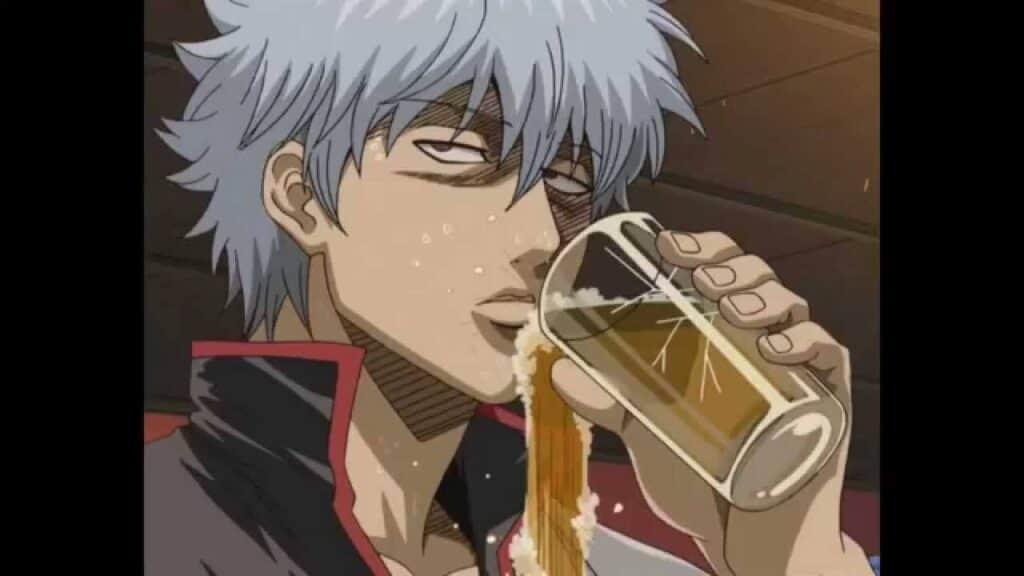gintoki de gintama tomando cerveja