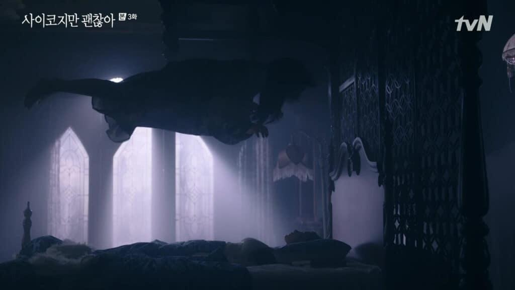 Imagem retirada da série Its Okay To Not Be Okay da Ko Mun-yeong dormindo e sua mãe flutuando acima dela