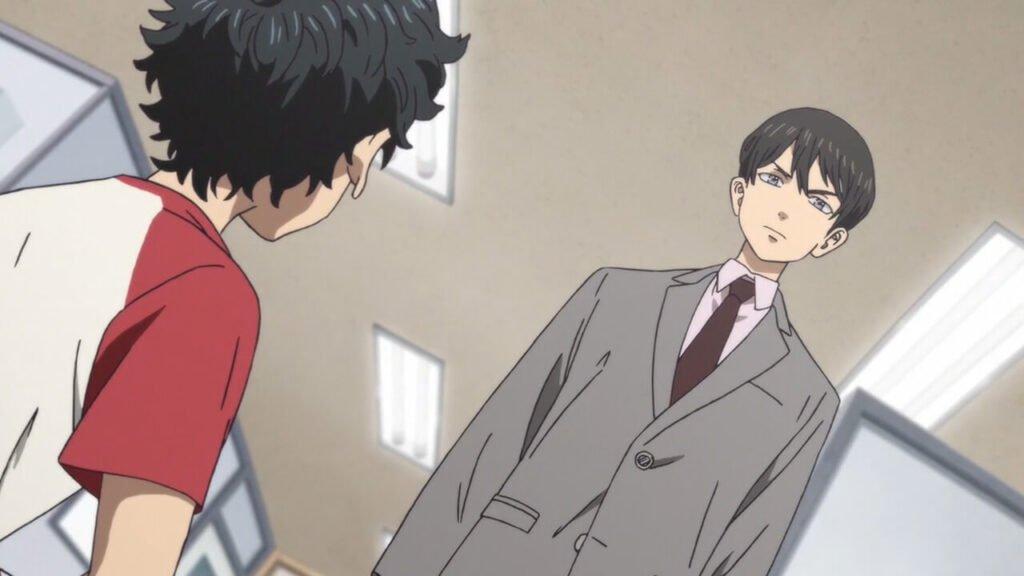 Naoto se torna policial e encontra Takemichi no hospital depois do acidente com o trem